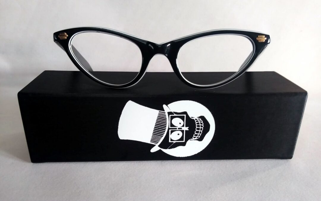 On the case with Dead Men's Spex